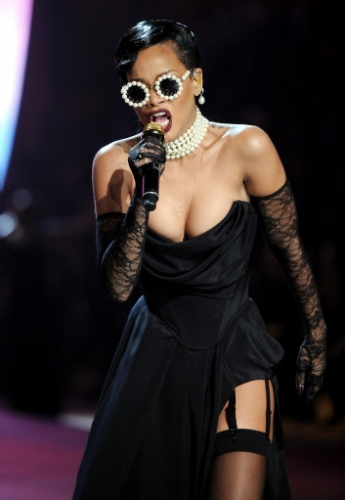 15070714 Victorias Secret Fashion Show 2012: Justin Bieber, Rihanna serenade the underwear