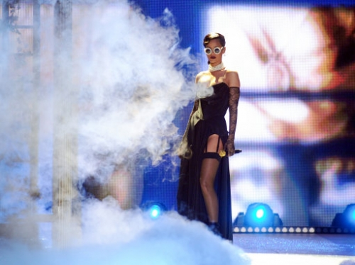15070987 Victorias Secret Fashion Show 2012: Justin Bieber, Rihanna serenade the underwear