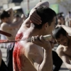 thumbs 15205033 Men whip themselves with knives at the Ashoura commemoration in Kabul (photos)