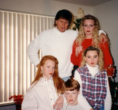 awkward christmas 17 Awkward family Christmas photos