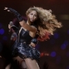 thumbs 15701837 Beyonce Knowles Super Bowl derp and Mr Microphone show in photos