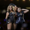 thumbs 15701844 Beyonce Knowles Super Bowl derp and Mr Microphone show in photos