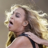 thumbs pa 15701852 Beyonce Knowles Super Bowl derp and Mr Microphone show in photos