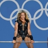 thumbs stash 1 5113fcd8accbc Beyonce Knowles Super Bowl derp and Mr Microphone show in photos