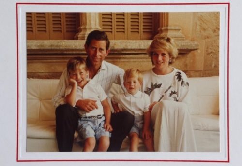 15209938 Prince Charles Christmas cards   in photos