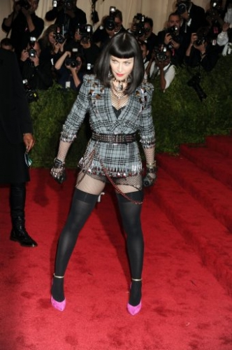 16453340 In photos: the stars hilarious punk outfits at the Costume Institute Benefit Gala at the Metropolitan Museum