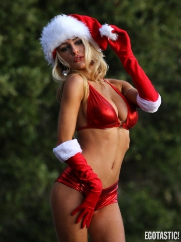 courtney stodden bikini Courtney Stodden does Santa   literally (photos)