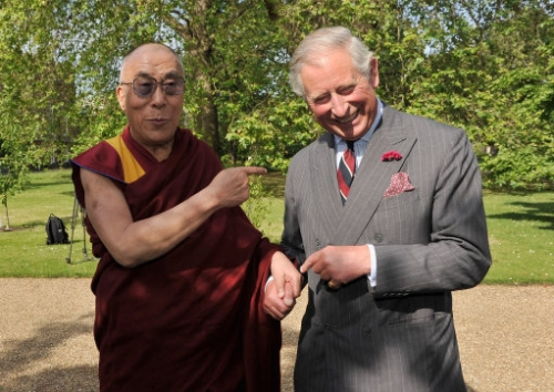 13855306 When the Dalia Lama met Prince Charles   photos