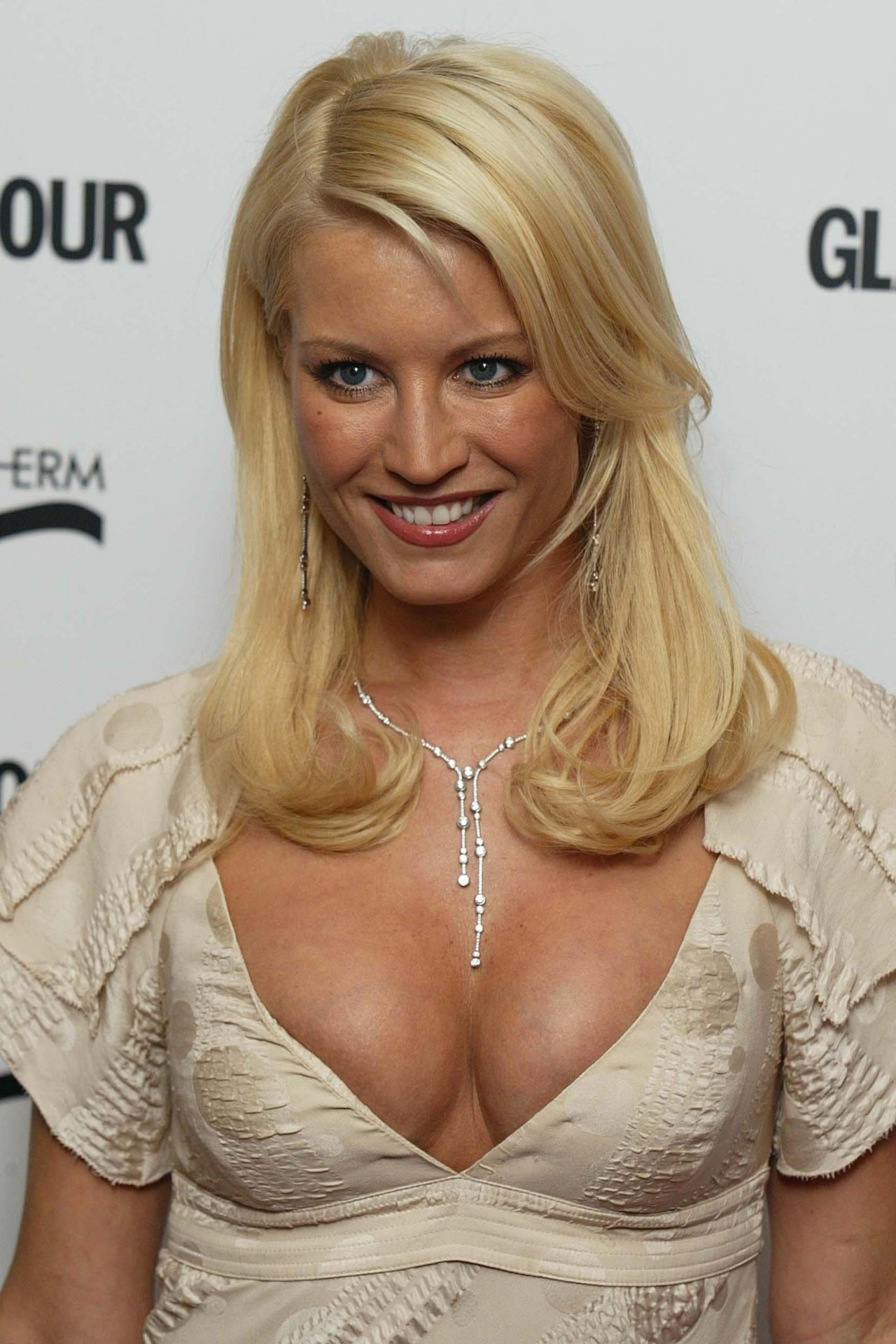 Denise Van Outen Tits 37
