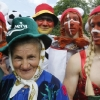 thumbs 13764303 The best fan outfits at the European Championships   cross  dressing leprechauns for Jesus