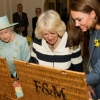 thumbs 12934326 Kate Middleton shops for fat with The Queen at Fortnums   in photos