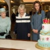 thumbs 12934342 Kate Middleton shops for fat with The Queen at Fortnums   in photos