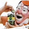 thumbs clown pickles 1 In the 1950s Heinz thought clowns would make pickles fun   they didnt (photos)