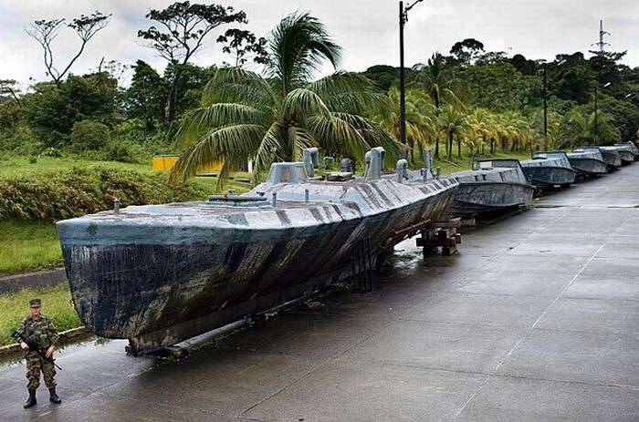 submarines 01 Inside A Colombian Drugs Smuggling Submarine
