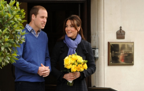 15321164 Why did Kate Middleton pose for these photos outside hospital?