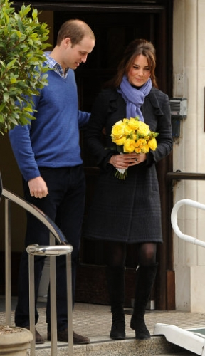 15321340 Why did Kate Middleton pose for these photos outside hospital?