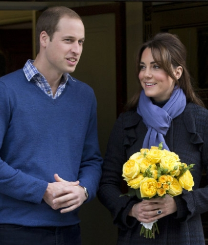 15321459 Why did Kate Middleton pose for these photos outside hospital?