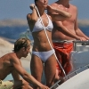 thumbs kate middleton Pregnant Kate Middleton shows off her bikini curves on holiday in Mustique: the fury!
