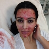thumbs kim kardashian vampire 3 Kim Kardashian injects her face with blood