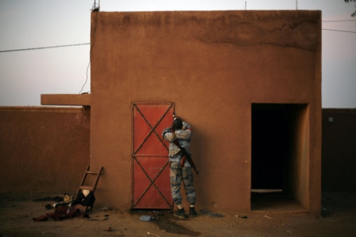 15775041 Happy Malians and the dead jihadis: the disgusting but wonderful war in photos