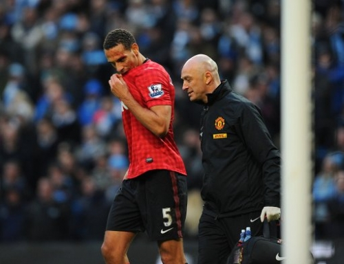 15341466 Robin Van Persie wins: Manchester United beat Manchester City in photos