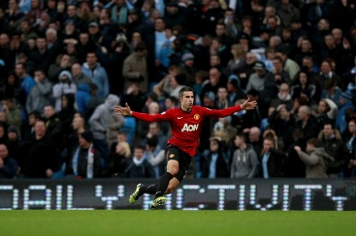 15341480 Robin Van Persie wins: Manchester United beat Manchester City in photos