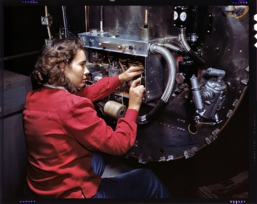 war 1 World War 2: The Office of War Informations pictures of women working on aircraft
