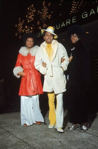 ali fans 1970 1 FLASHBACK to 1970: fabulous furry fight fans for Muhammad Ali