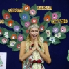 thumbs 15297875 Paris Hiltons third eye winks in India (photos and video)