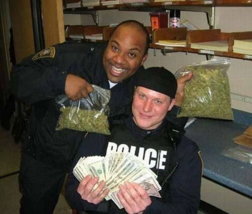 cops 13 Awkward police photos