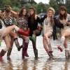 thumbs 9371658 The Reading Festival Photos Are Dirty Girls And Wet T Shirts