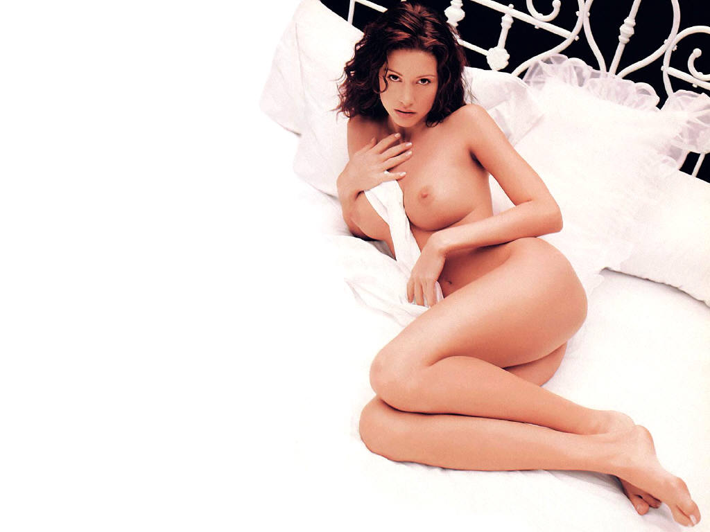 Jessica alba naked shows everything