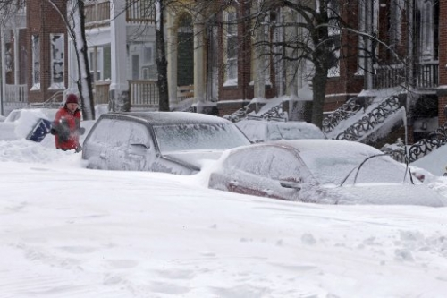 15752585 In photos: huge snowstorm hits the USA