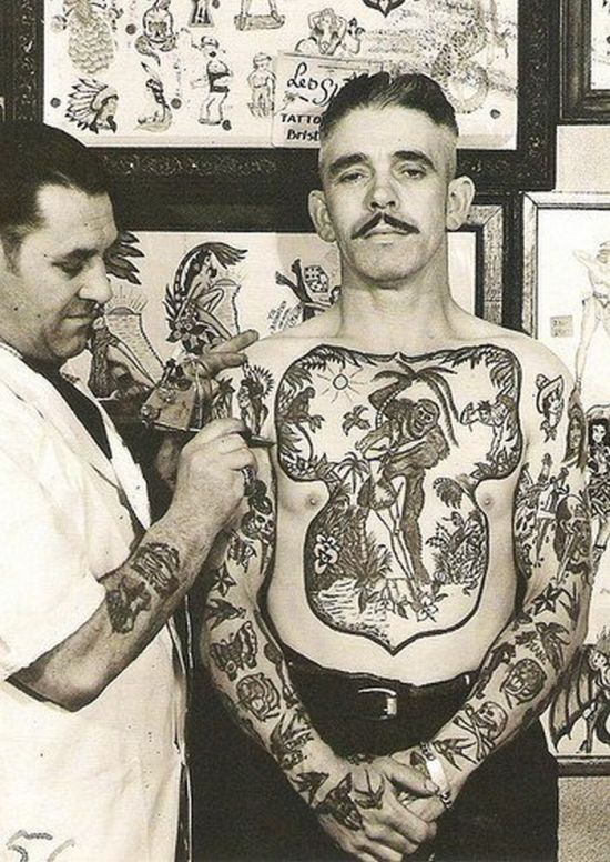 In this gallery of vintage tattoos, you can see how they used to do it…