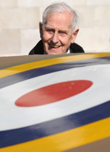 14948456 William Walker never fogotten: the last Battle of Britain Spitfire pilot dies