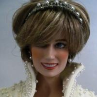 princess diana doll.thumbnail Princess Diana Says Belt Up In Car Safety Drive