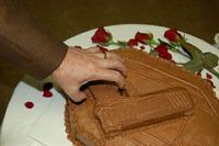 hand-gun-cake.jpg