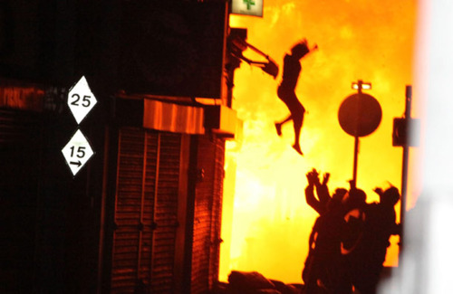 jump london Reasons Why The London Riots Happened: From Mark Duggan To Blackberry An Arab Spring And Polar Bears