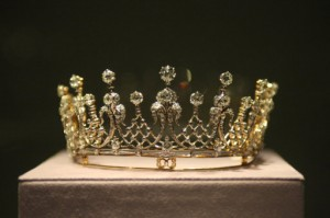 11686200 300x199 Elizabeth Taylors Jewels In Photos: The Crown Jewels of Hollywood And Other Golden Eggs
