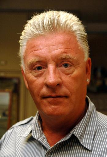 acorah Tweeting Derek Acorah Sees Mass Death In Ireland And Tsunamis In Bournemouth