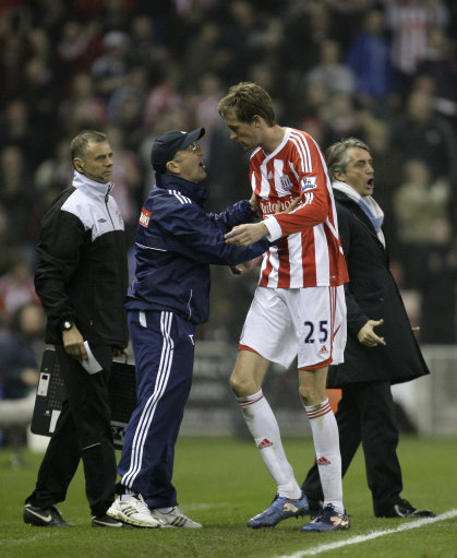 Tony Pulis bemoans cheating foreigners and praises cheating Peter Crouch