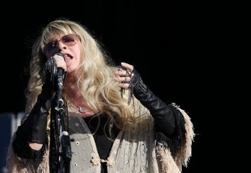 Stevie Nicks wants to strangle Minaj