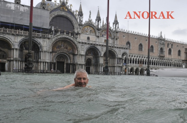 PA 15096317 Photos: Swimming in St. Marks Square, Venice