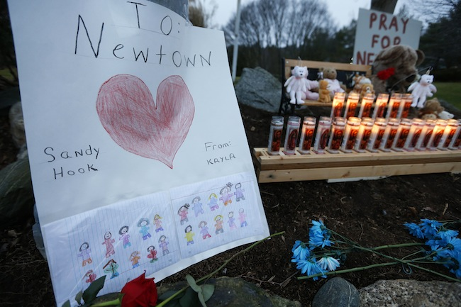 PA 15392138 The Sandy Hook massacre: Obama makes martyrs of the dead as media