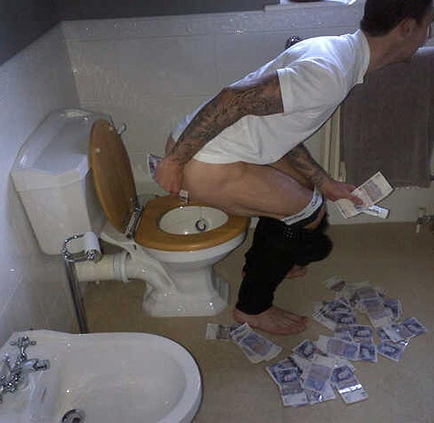 west brom liam bum West Bromwich Albion player Liam Ridgewell chided for wiping his bum with a wad of cash (photo)