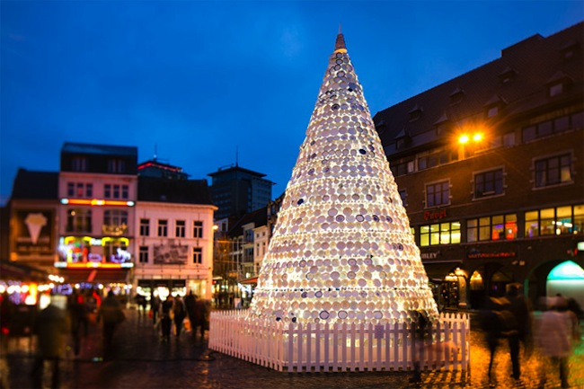 xmas belgium Hasselt, Belgium has a Christmas tree made from crockery