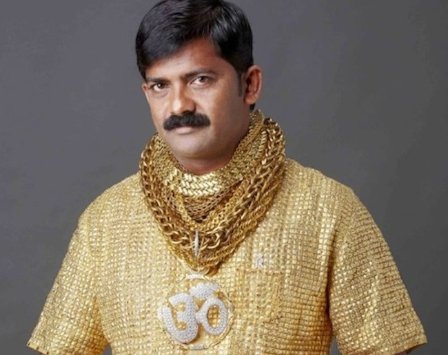 Datta Phuge1 Brilliant man gets solid gold shirt