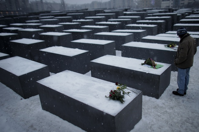 PA 15645993 Will we remember the Holocaust in 10 years? Holocaust Memorial Day photos