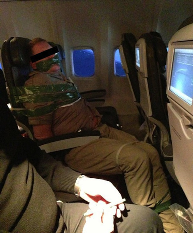 icelandic air Drunk and ranting Icelandair passenger tied to seat (photo)