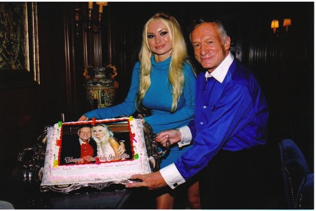 playboy mansion izabella cake Hugh Hefner in birthday cakes: the sponge and Viagra icing photos